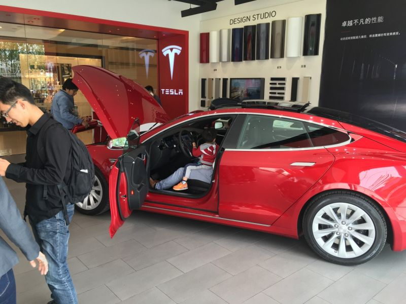 Tesla's Blowing It In China. Here's What Elon Musk Must Do