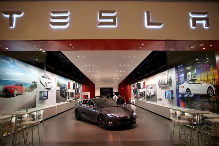 Missouri court rules against Tesla selling at its own dealerships in the state