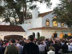 Tesla kicks off a solar roof to open its home market