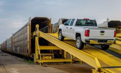 GM's Chevy Silverado, Colorado pickup to enter China in 2017