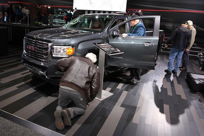 2017 Detroit Auto Show Takes New Approach to Tech