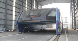 "China's eye-catching ""straddling bus"" now facing financial trouble and abandoned"