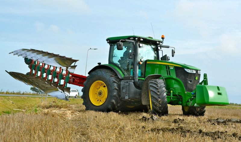 Driverless Farming Tractors Could Improve Industrial Crop Harvests in the Future