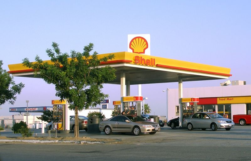 Shell to Start Installing EV Charging Hubs at Fuel Stations