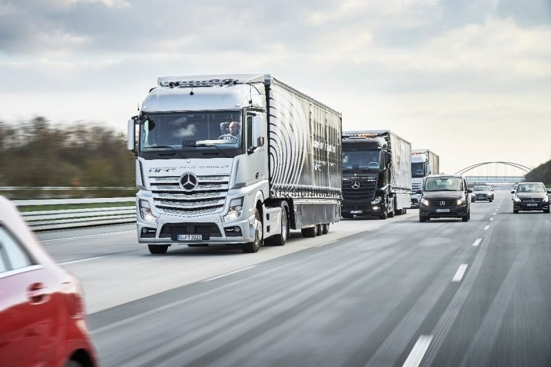 Japan to Start Truck Platooning Tests on Public Roads by 2018