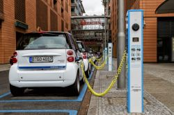 Report: Large-scale EV Charging Could Damage UK Power Grid Operations
