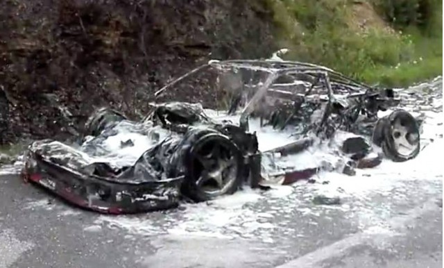 remains-of-ferrari-f40-that-burned-to-the-ground-in-april-2017--image-via-ivg_100605273_m.jpg