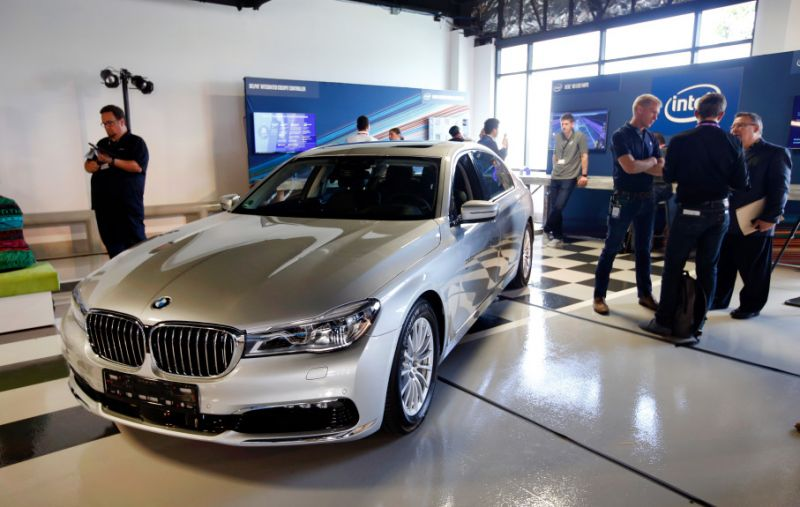 Intel Partners with BMW on Self-Driving Cars, Faces Competition