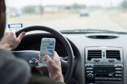 Samsung's In-Traffic Reply App Answers Messages and Calls While Driving