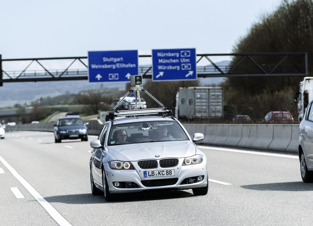 bosch-automated-driving-system-on-autobahn-a81_100495757_m.jpg