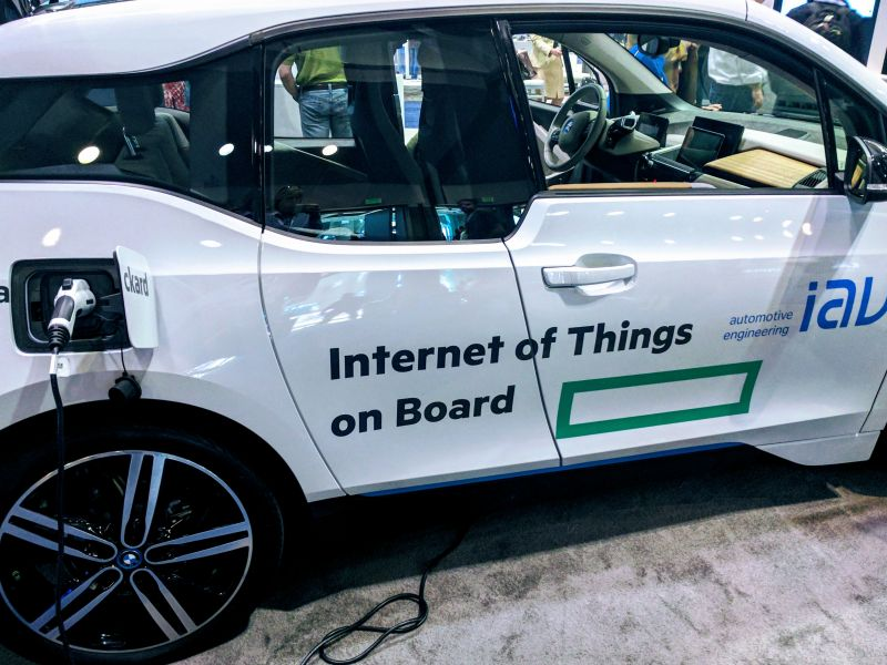 IAV shows connected car solutions at Internet of Things World 2017