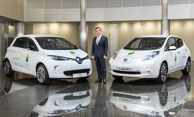 Renault-Nissan Alliance Plans Mobility Services with Driverless Fleet