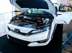 EXCLUSIVE: First Drive of the All-Electric 2018 Honda Clarity