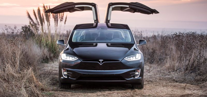 Tesla Lowers Price of the Model X