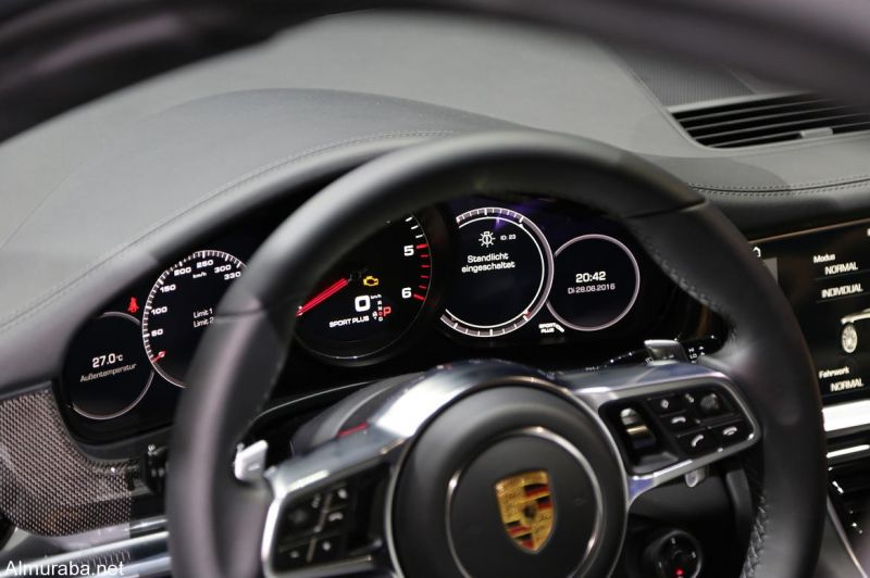 Porsche Cars Can See 1.8 Miles Down the Road With New Technology