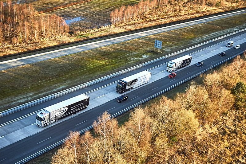 Daimler to Test Autonomous Truck Platoons in the U.S.