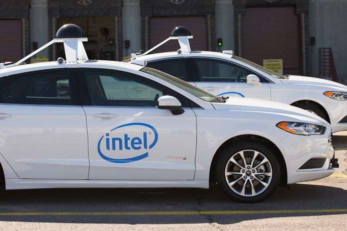 Automakers Finding it Hard to Keep Up With Tech Firms on Automotive Technology