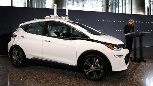 104526523-GettyImages-629988204-GM-Bolt_Self-Driving-Car.530x298.jpg