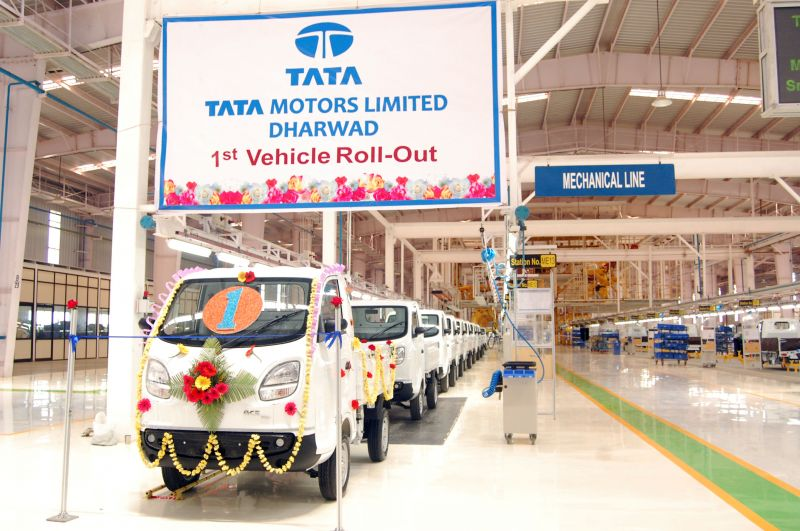 Tata Motors and Mahindra Clash in Bidding War over Government EV Contract