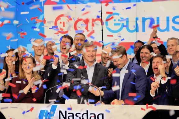 Oct 12th, 2017 News of the Day: CarGurus spikes 72% in auto marketplace IPO