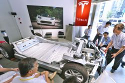 Tesla Looks for New Battery Suppliers to Boost Model 3 Production