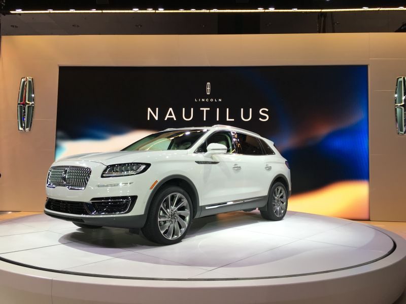 Lincoln Unveils its New Midsize SUV: 2019 Lincoln Nautilus ...