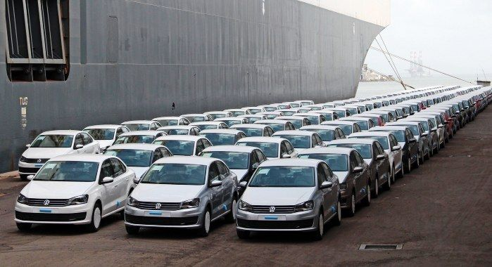 December 29, 2017 News of the Day: Volkswagen Close to Building 6 Million Vehicles This Year, American Traffic Solutions Releases Scary Crash Footage of Vehicles Running Red Lights