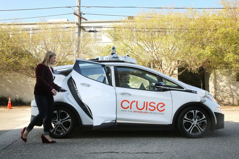 Navigant Report Ranks GM as Leader of the Driverless Car Race, Tesla in Last Place