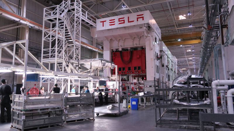 February 14, 2018 News of the Day: Tesla's Plans to Open a Factory in China Stall as it Still Needs a Chinese Partner, Faraday Future Receives $1.5 Billion Lifeline