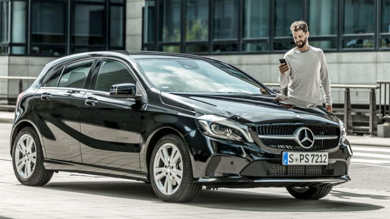 mercedes-benz-eq-ready-app-car-outside-2560x1440-1280x720.jpg