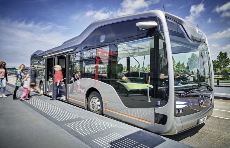 Mercedes-Electric-Bus.jpg