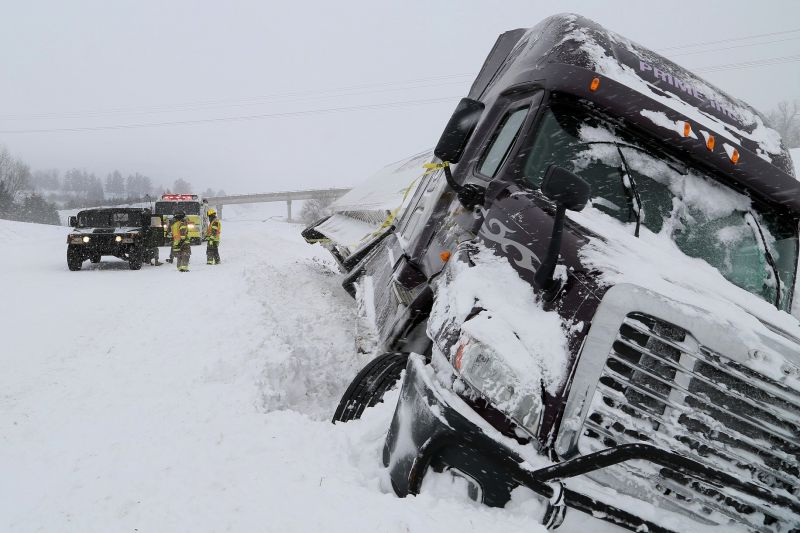 Wyoming Implements Connected Semi Trucks to Limit I-80 Fatalities