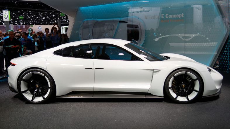 Porsche_Mission_E_-_IAA_2015_-_10_-_side_cropped.jpg