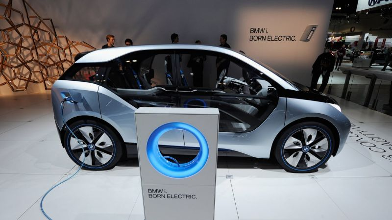 BMW (BMW) Given a €85.00 Price Target by Sanford C. Bernstein Analysts