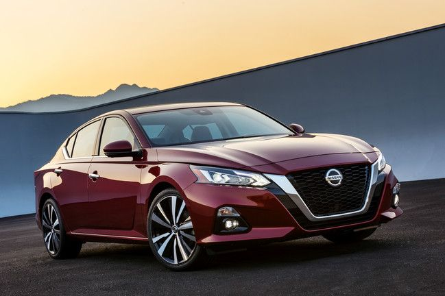 The 2019 Nissan Altima Will Offer a New Variable-Compression Engine