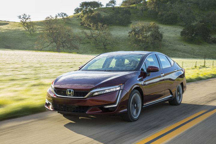 Fuel-Cell Powered Honda Clarity Arrives at California Dealerships