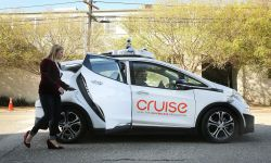 California Proposes New Rules to Allow Self-Driving Cars to Pick Up Passengers