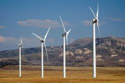 BP Partners With Tesla on Battery Storage for Wind Farms