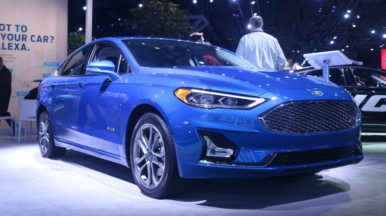 Ford to drop American Sedans