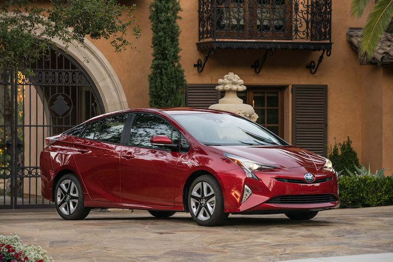 Toyota to Prioritize Hybrids Over Pure Electric Vehicles Over Next Decade
