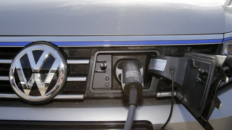 German Automakers Looking to Outside Sources to Meet Demand for EV Batteries