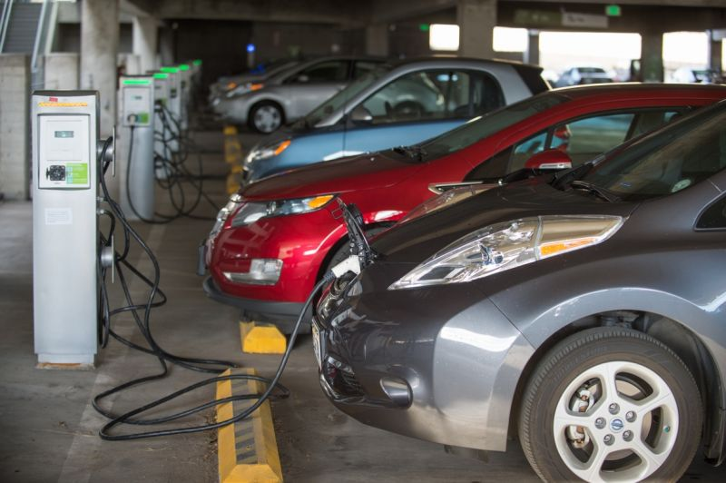 Ontario Abandons its Electric Vehicle Incentive Programs