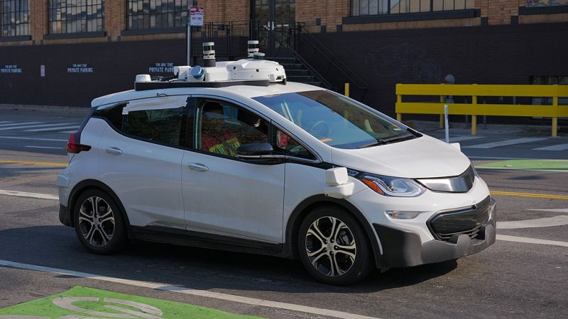 Experts Advise Investing in Driverless Car Stocks Now