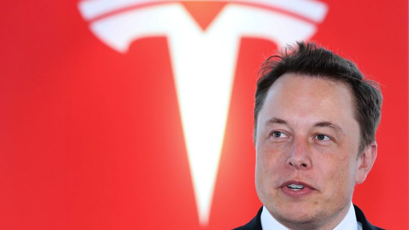 Tesla Shares Sink as CEO Elon Musk Gives Revealing New York Times Interview