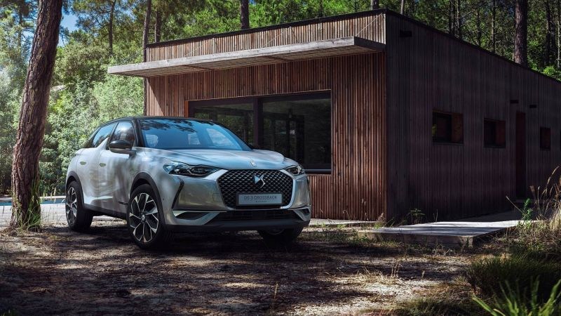 Citroen Unveils the DS3 Crossback CUV and Confirms an All-electric Model