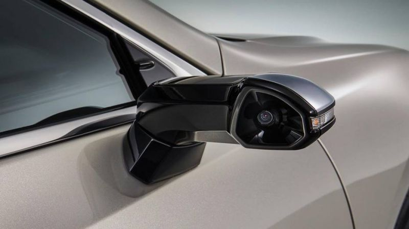 The Redesigned 2019 Lexus ES Will Have Digital Cameras Instead of Side View Mirrors