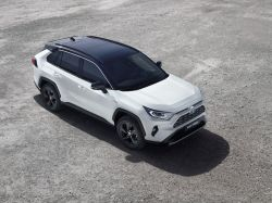 Toyota Continues to Back Hybrids, Believes EV Batteries Are Flawed