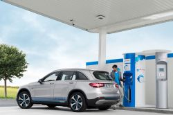 Mercedes Benz Launches its GLC F-Cell EV, Featuring Both Fuel Cell & Plug-in Hybrid Technology
