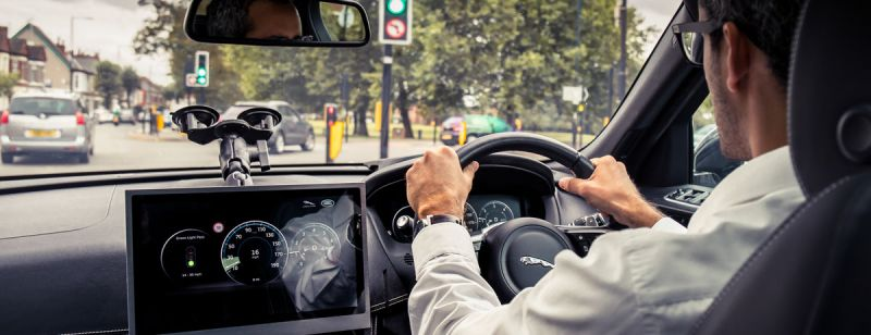 Jaguar Land Rover Previews New Tech That Works to Keep Traffic Lights Green