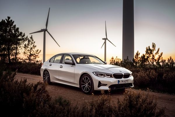 BMW Unveils its New 330e Plug-in Hybrid with 'XtraBoost' Feature